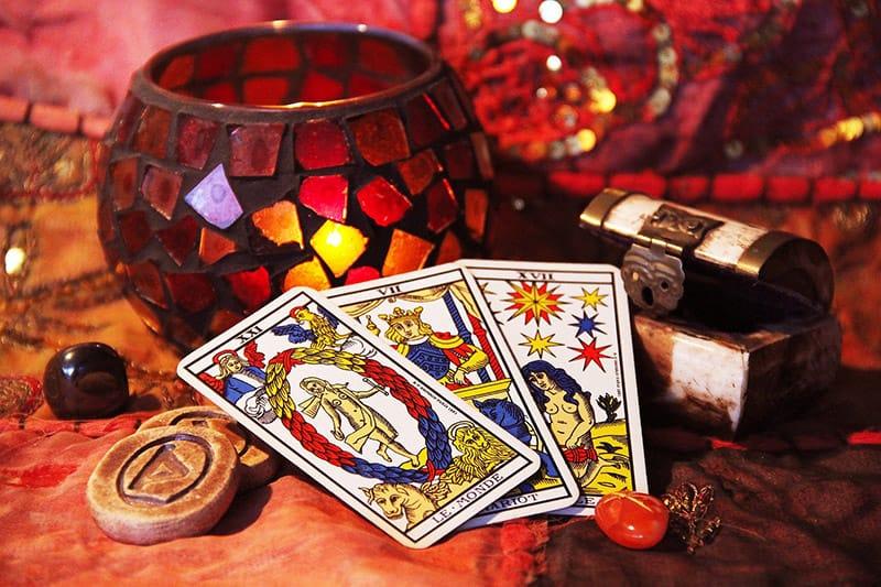 clairvoyance-tirages cartes-tarots voyante