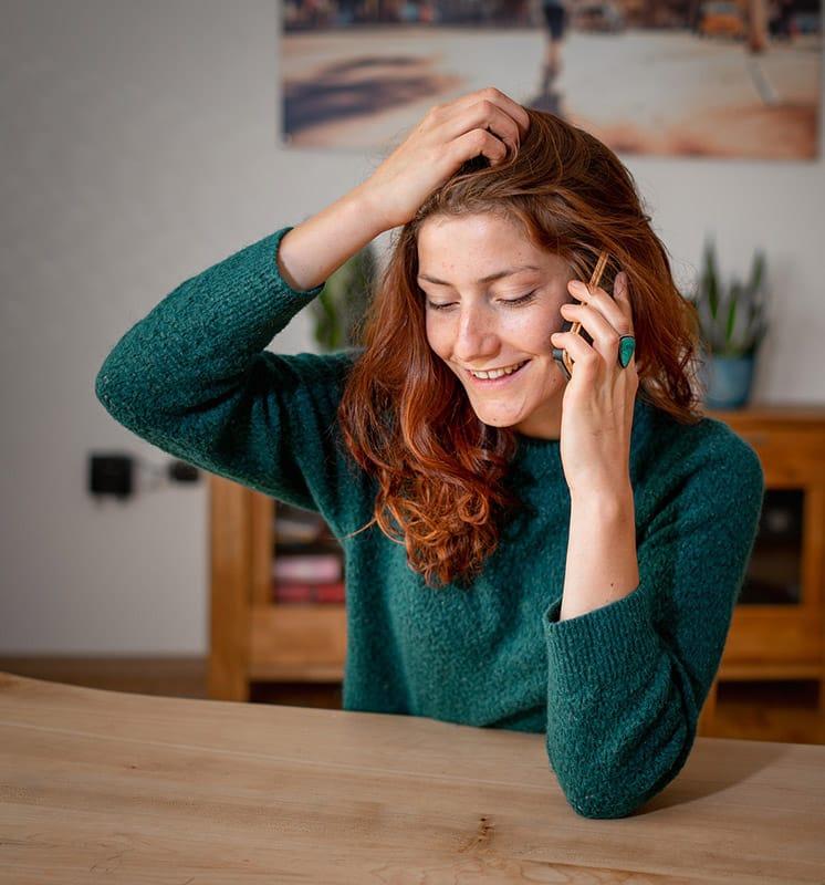 femme-voyance-telephone-maison
